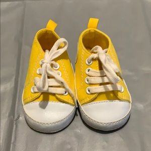 Yellow Look-a-Like Converse size 0-3 Months